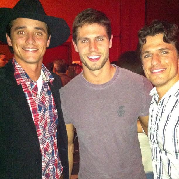 Ex-BBBs Fael, Jonas e João Maurício no lançamento do rodeio de Barretos, em São Paulo (Foto: Twitter/ Reprodução)