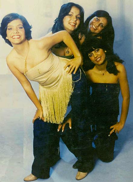 A fama veio cedo, com As Melindrosas, formadas pelas irmãs Yara, Sula e Gretchen e a amiga Paula