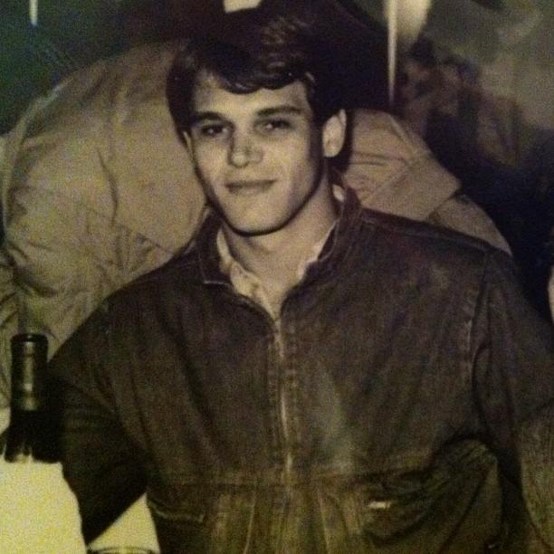 Pai do ex-BBB Jonas quando jovem (Foto: Reprodução/Twitter)