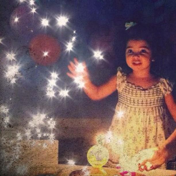 Alícia, filha Samara Felippo e Leandrinho (Foto: Reprodução/Instagram)