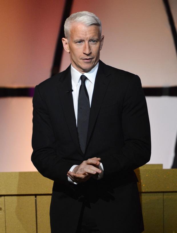 Anderson Cooper, apresentador da CNN, escreveu uma carta na qual dizia: 'O fato é que sou gay, sempre fui, sempre serei, e não poderia estar mais feliz e orgulhoso''