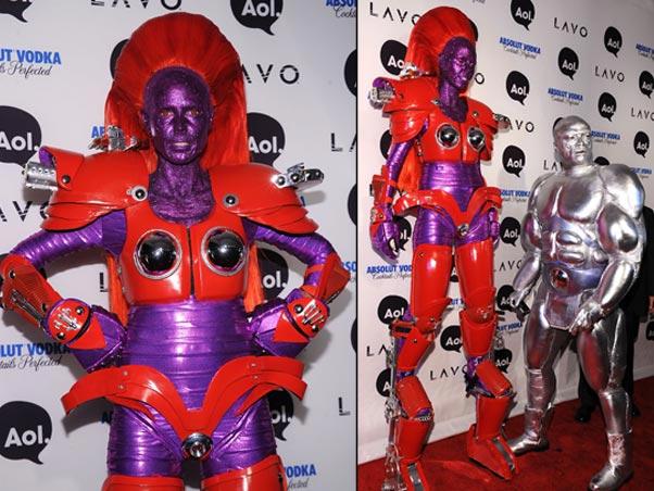 4) Heidi Klum e o ex-marido, Seal, sempre adoraram fazer superproduções para suas festas de Halloween. Mas os dois capricharam bastante em 2010..
