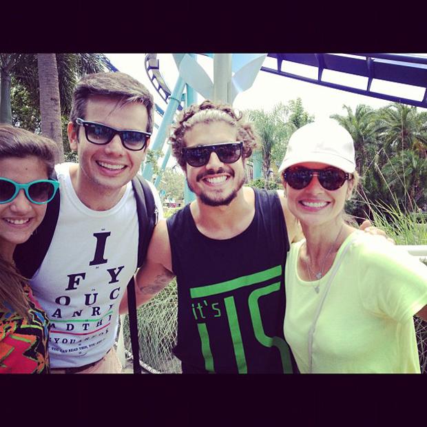 Caio Castro e Flávia Alessandra se encontram na Disney (Foto: Instagram / Reprodução)