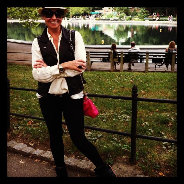 Giovanna Antonelli em Nova York, nos Estados Unidos (Foto: Twitter/ Reprodução)