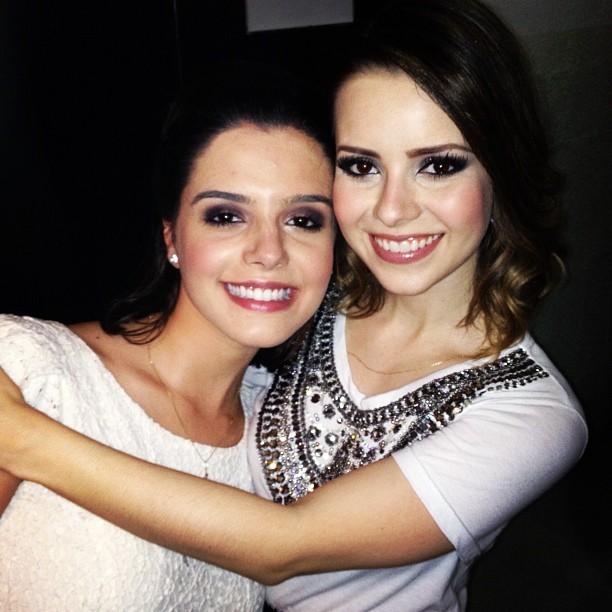Giovanna Lancellotti posa com Sandy após show no Rio (Foto: Instagram/ Reprodução)