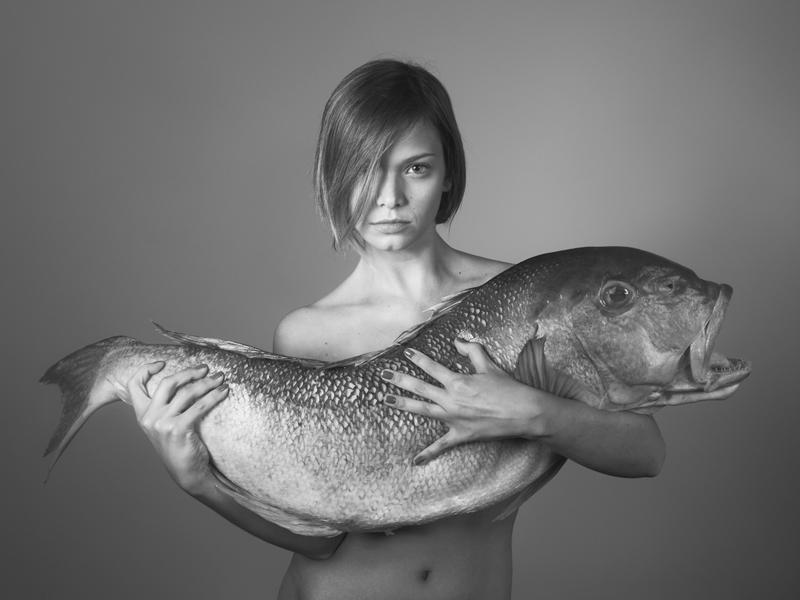 Milena Toscano na mostra de fotos de Paula Klein, Edible Paula Klien