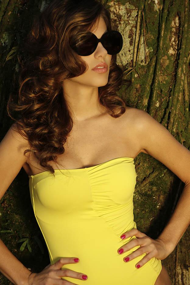 Marcela Maluf, namorada do impostor do Pânico, em ensaio fotográfico (Foto: Angelo Pastorello / Divulgação)