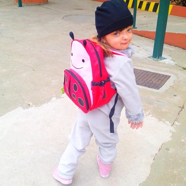 Rafa Justus vai para escola com mochila de joaninha (Foto: Instagram)