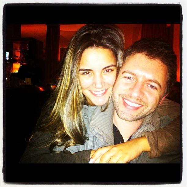 Ex-BBB Laisa posta foto com namorado (Foto: Instagram)