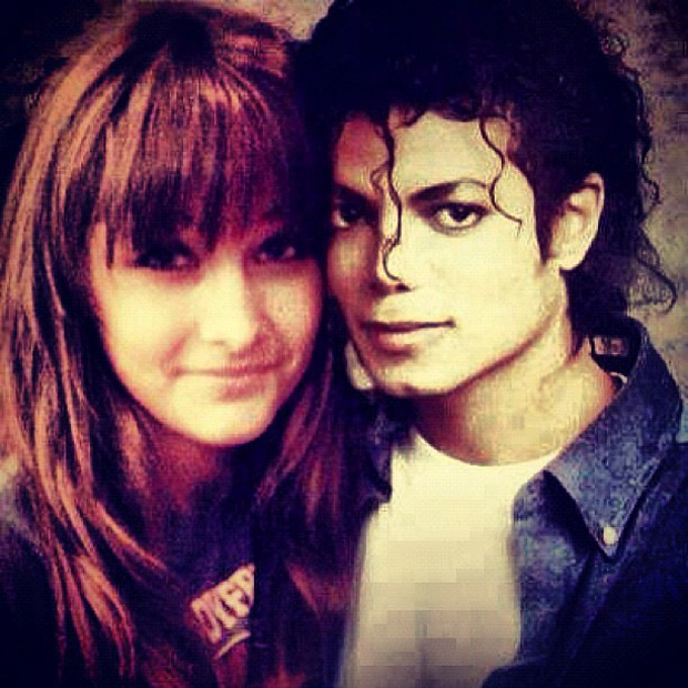 Paris Jackson posta montagem em que aparece ao lado de Michael (Foto: Instagram / Reprodução)