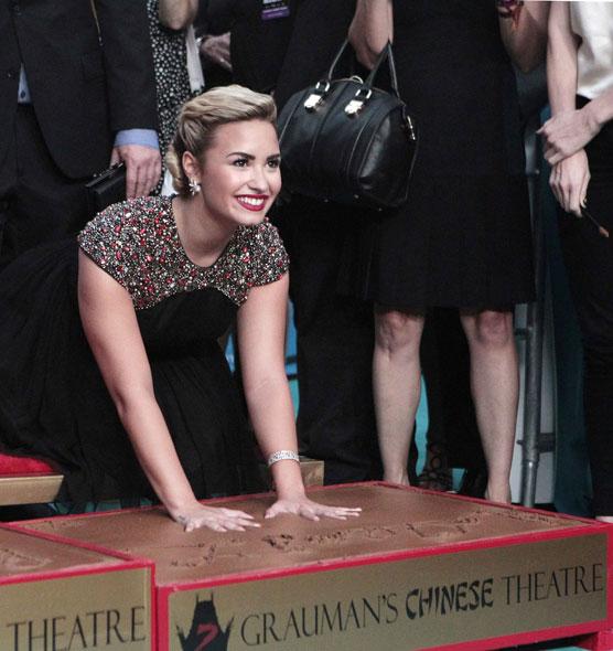 Demi Lovato na première do reality show musical 'The X Factor' em Hollywood, nos Estados Unidos (Foto: Mario Anzuoni/ Reuters/ Agência)
