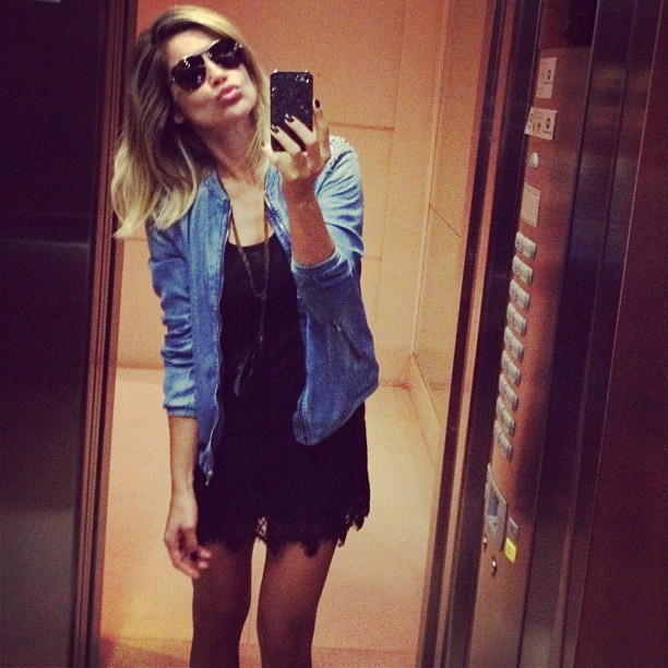 Flávia Alessandra faz biquinho para foto (Foto: Instagram/ Reprodução)