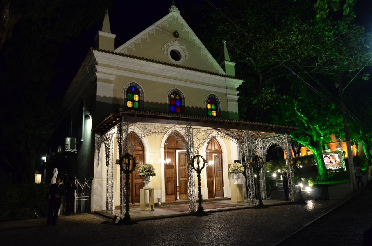 Entrada da Capela Nossa Senhora das Vitórias, onde o casamento será realizado