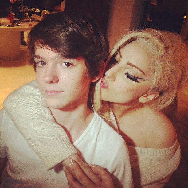 Lady Gaga e o irmão (Foto: Instagram/Reprodução)