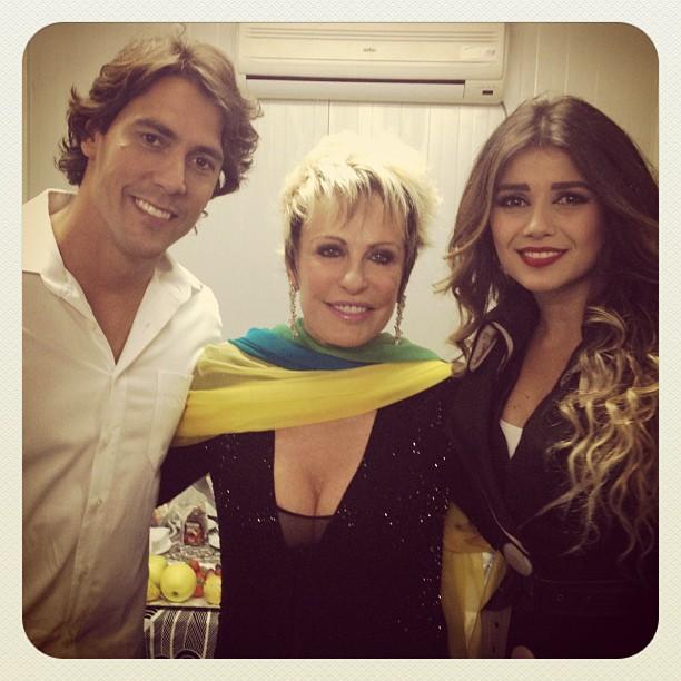 Ana Maria Braga com Paula Fernandes e o namorado Henriqui (Foto: Instagram/Reprodução)