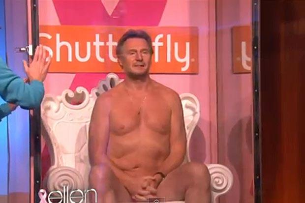 Liam Neeson fica nu para apoiar campanha no programa de Ellen Degeneres (Foto: Reprodução)