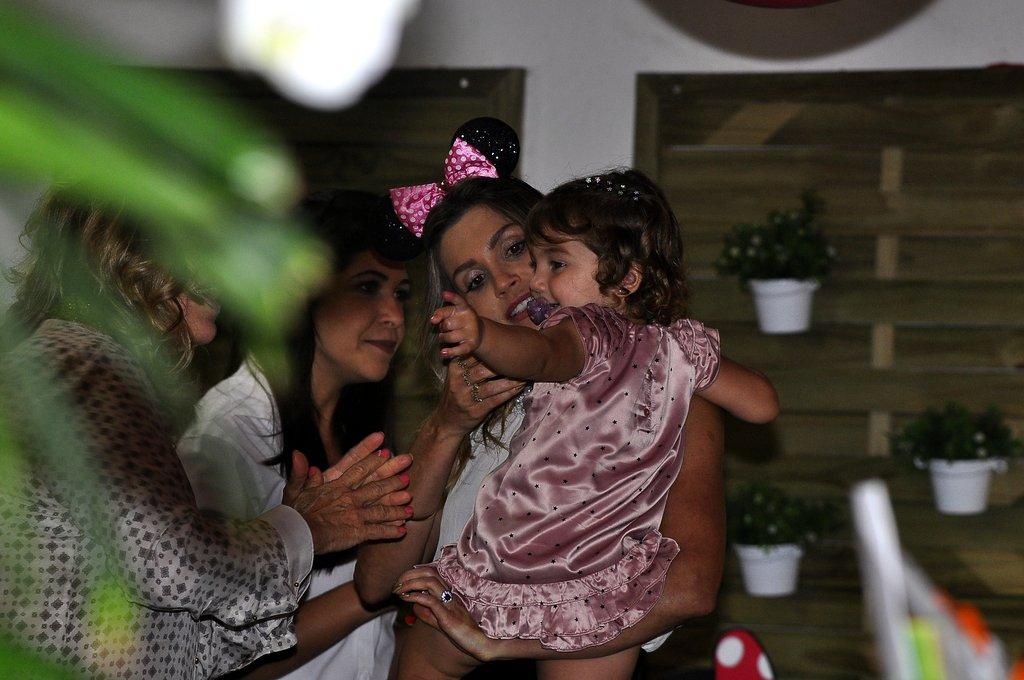 Flávia Alessandra com a filha, Olívia, que completa dois anos nesta sexta-feira, 5