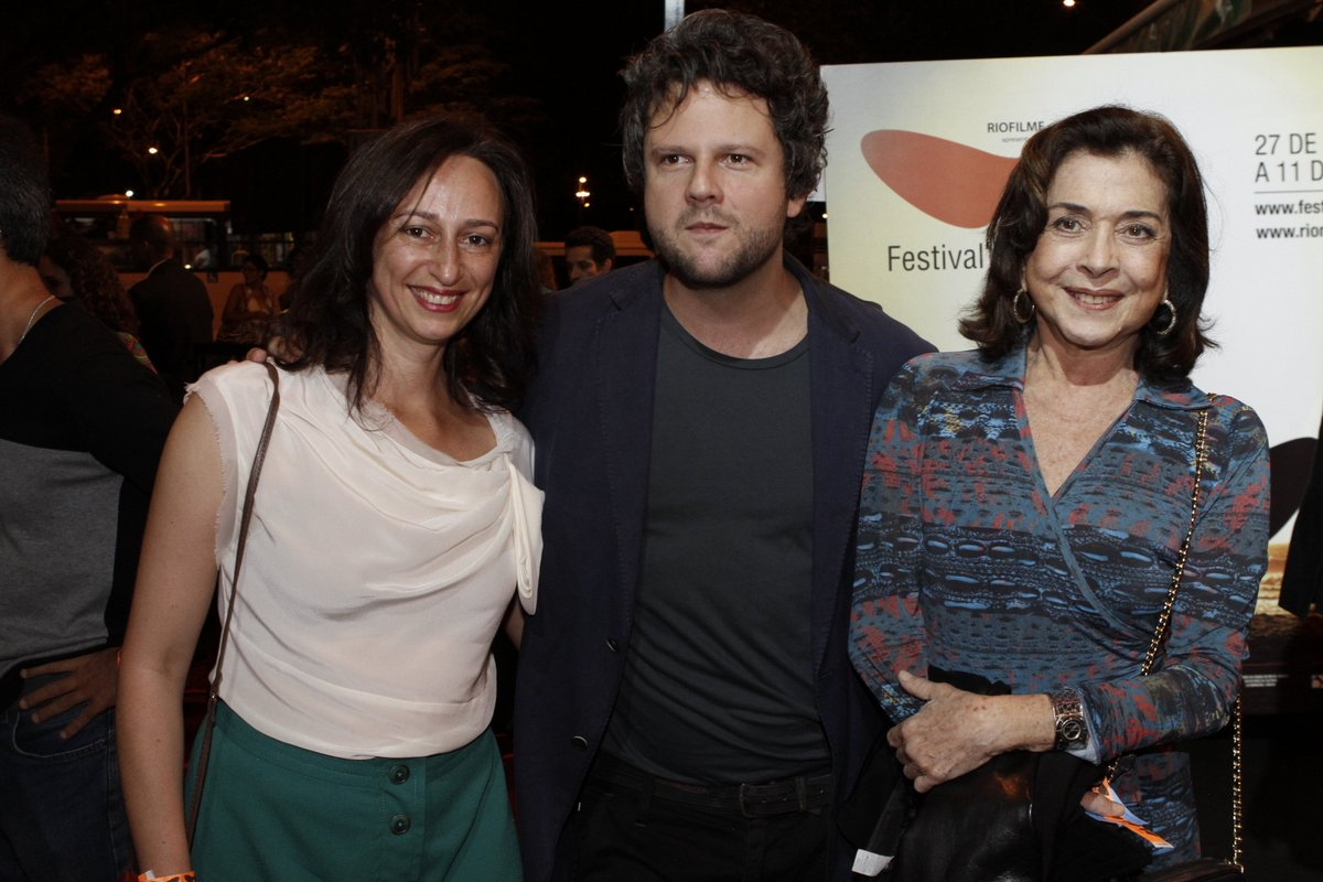 Laís Bodanzky, Selton Mello e Betty Faria prestigiaram a premiére