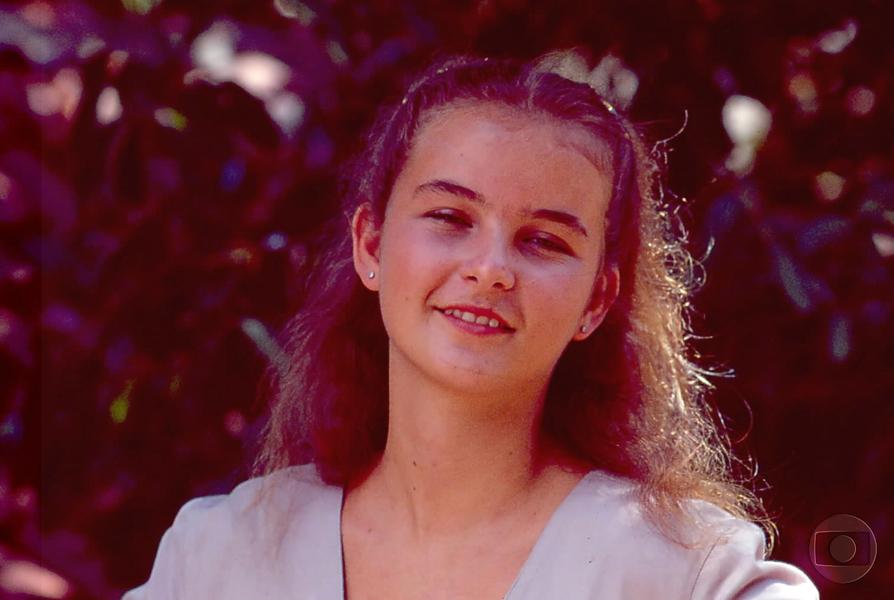 """A primeira novela de Daniella Faria foi  """"Pedra Sobre Pedra"""". O ano era 1992 e ela era uma meninha, tinha 15 anos"""