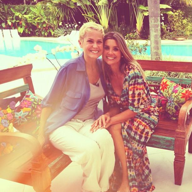 Flávia Alessandra e Xuxa (Foto: Reprodução/Twitter)