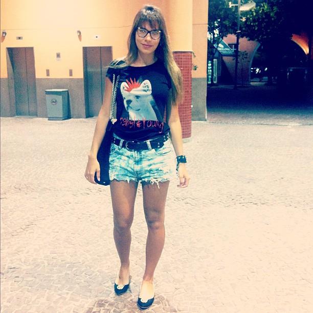 Ex-BBB Adriana em shopping no Rio (Foto: Instagram/ Reprodução)