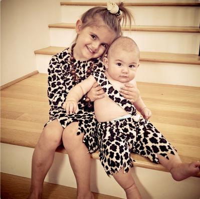 Filhos de Alessandra Ambrósio (Foto: Reprodução/ Twitter)
