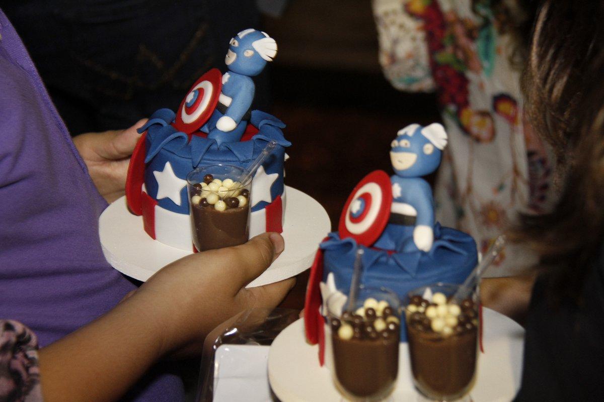 Cupcakes do Capitão América surpreenderam os convidados