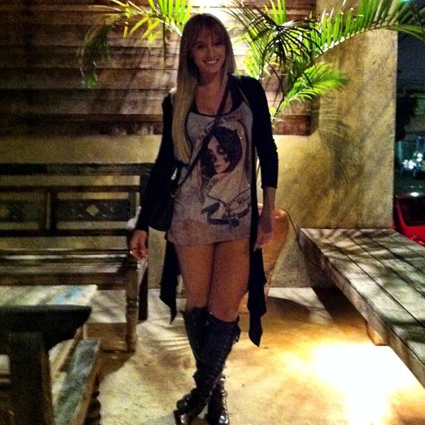 Juju Salimeni mostra os pernões (Foto: Reprodução/Instagram)