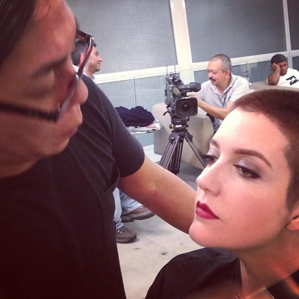 Larissa precisou raspar a cabeça por conta de seu personagem  (Foto: Reproduçãp/Instagram)