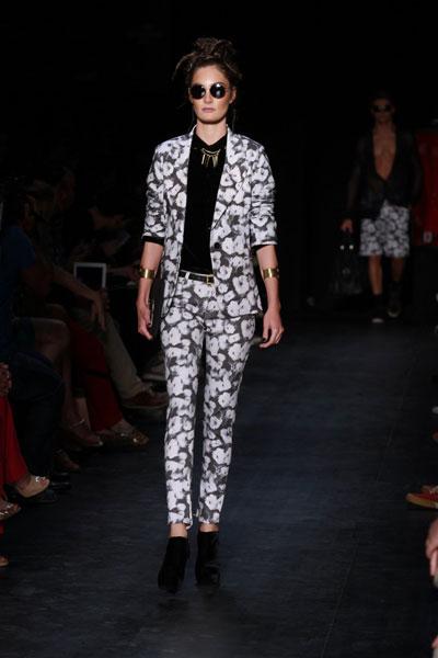 Desfile da grife Ausländer no Fashion Rio fechou a Semana de Moda Carioca, na noite desta sexta-feira, 9, no Píer Mauá, na Zona Portuária da cidade