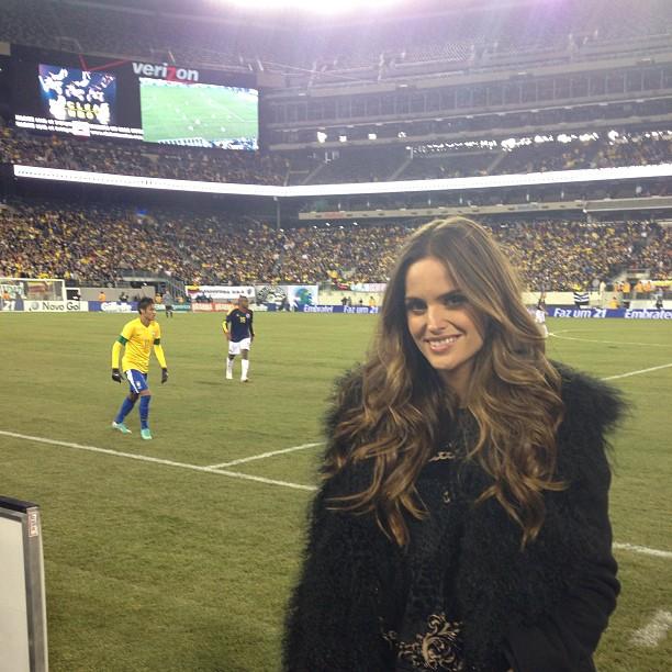 Izabel Goulart assiste a jogo da seleção brasileira nos Estados Unidos (Foto: Instagram/ Reprodução)