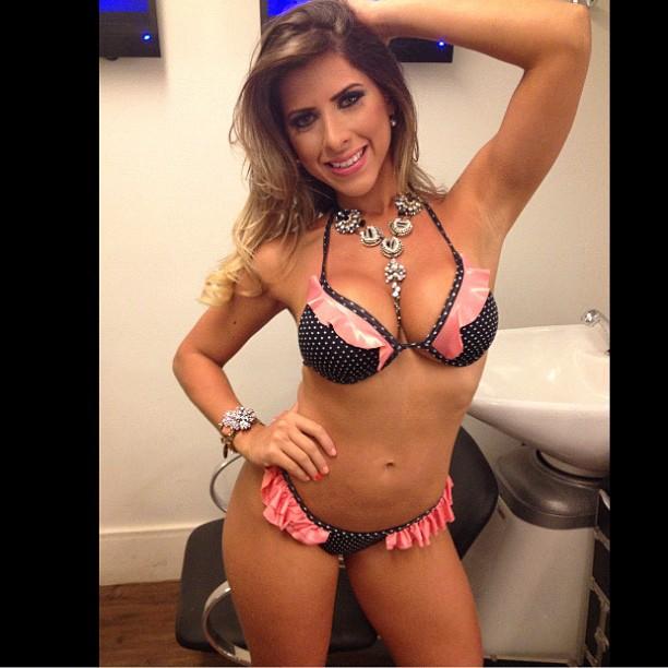 Ana Paula Minerato posta foto nos bastidores do 'Programa Pânico' (Foto: Reprodução/Instagram)