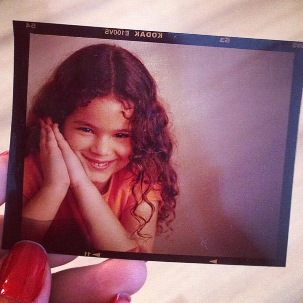 Bruna Marquezine posta foto quando criança (Foto: Instagram / Reprodução)
