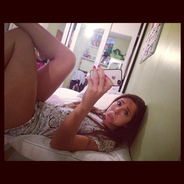 Charminho? Carolina Portaluppi faz biquinho para foto
