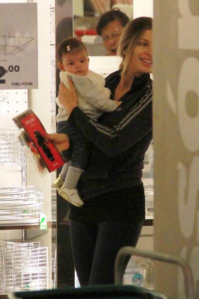 O rostinho de Sofia, filha de Grazi Massafera e Cauã Reymon, foi fotografado pela primeira vez no dia 4.
