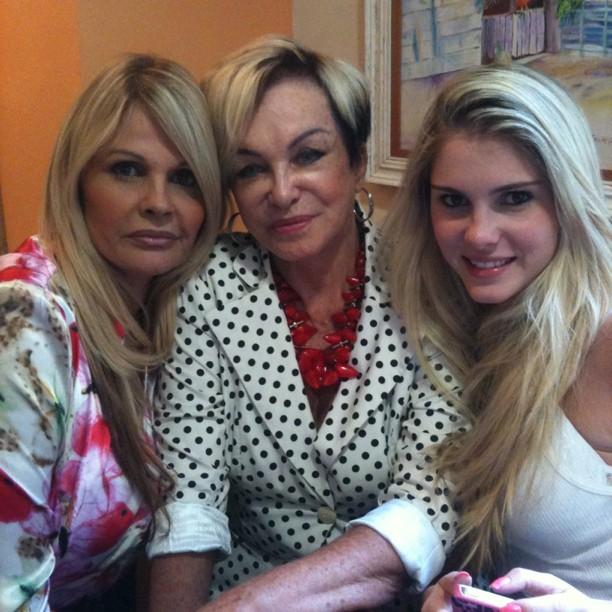 Monique Evans posta foto com a mãe e a filha, Bárbara (Foto: Instagram / Reprodução)