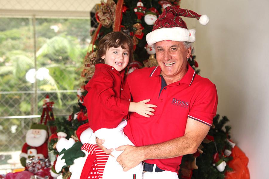 Otávio Mesquita e o filho Pietro adoram o Natal. Neste ano, a família vai passar a data em Miami.