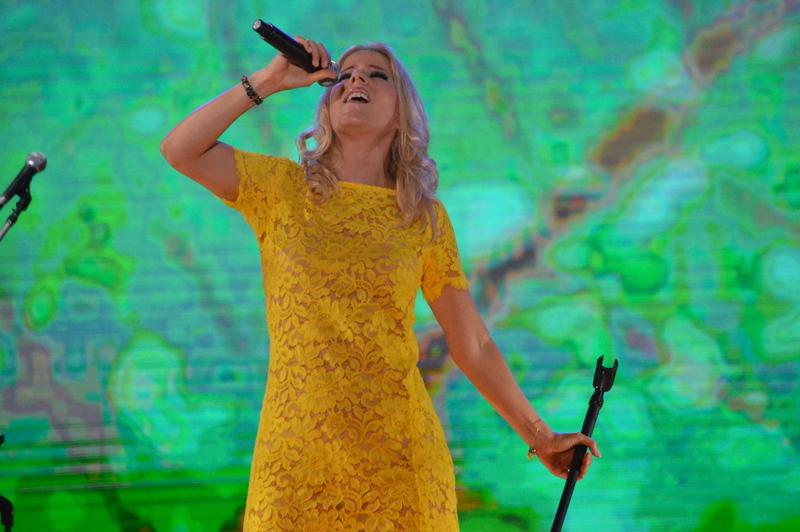 Paula Toller, do Kid Abelha, canta no Festival de Verão de Salvador