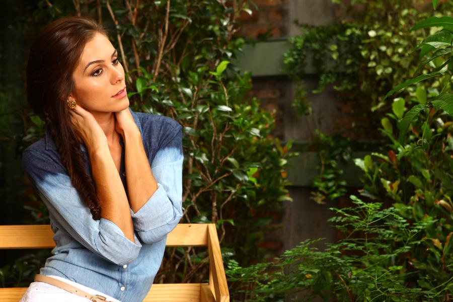 Gabriela Markus costuma montar seus próprios looks. Ela não tem stylist.
