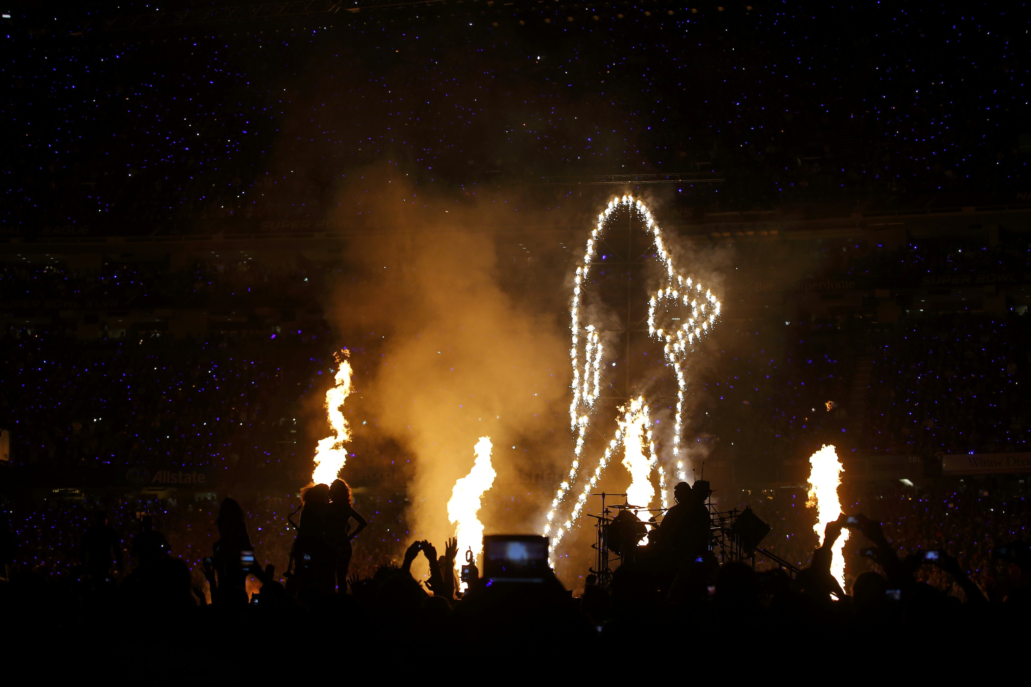 Beyoncé canta no Super Bowl