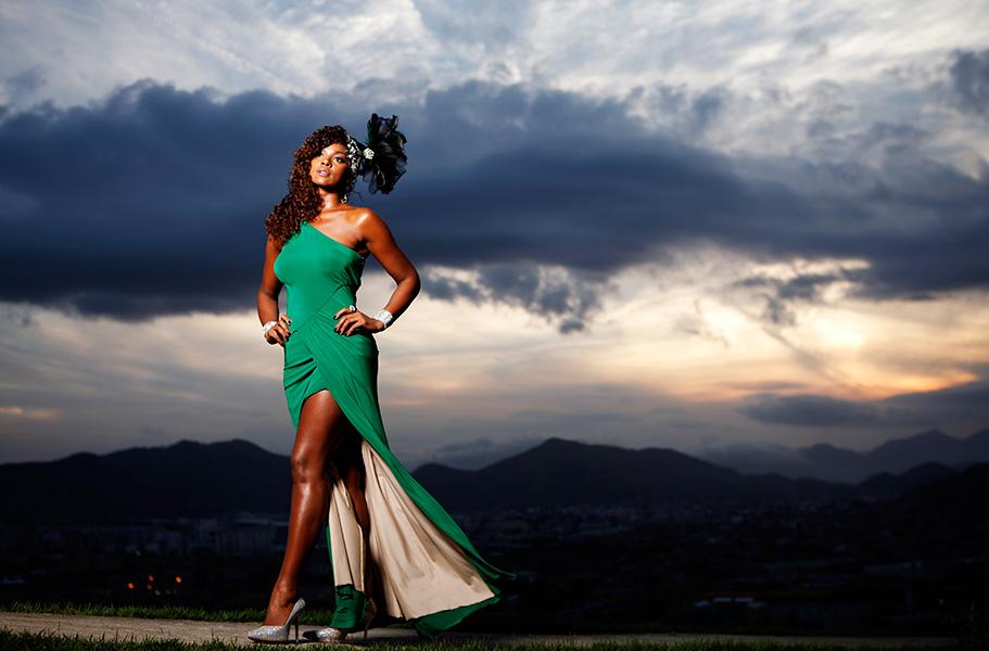 Cris Vianna é a última rainha da série 'Sua majestade, a bateria', do EGO