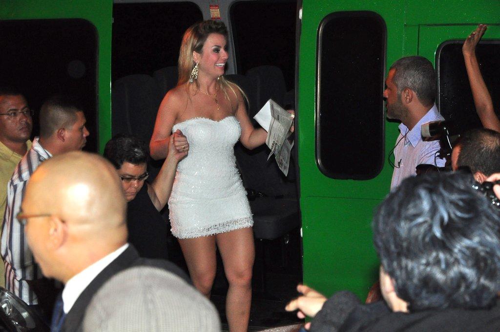 Ex-BBB Fernanda em festa pós-BBB no Rio