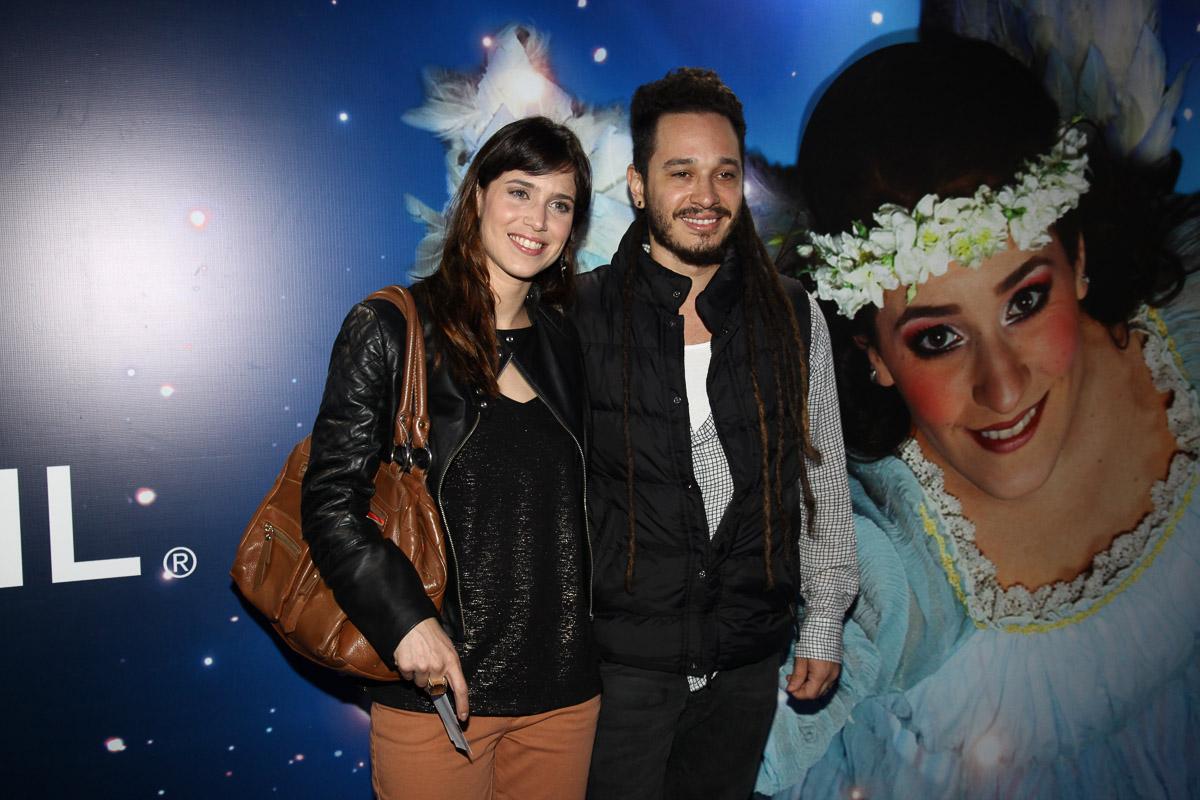 http://s.glbimg.com/jo/eg/f/original/2013/04/02/mel_lisboa_com_o_marido-9390.jpg