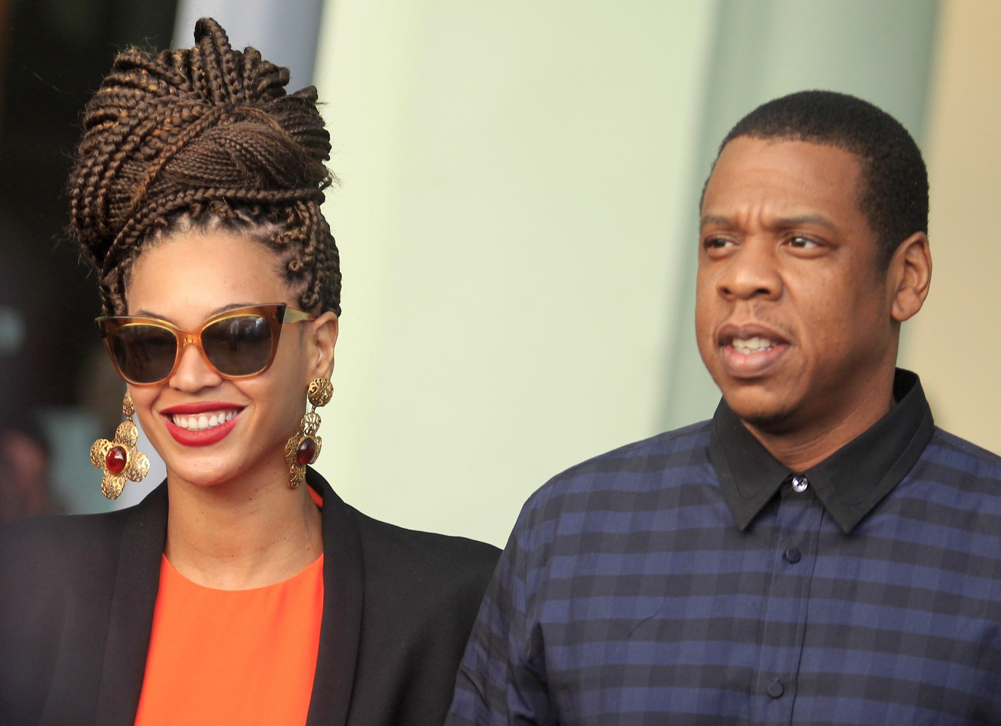 Beyoncé e Jay-Z estão juntos há onze anos e são casados há cinco. Eles são pais de Blue Ivy.