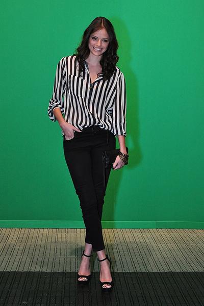 Agatha Moreira, de 'Malhação', é outra famosa que aposta na tendência preto e branco