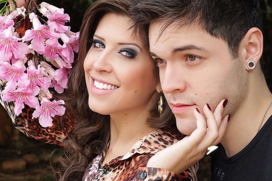 Andressa e Nasser estão comemorando seu primeiro Dia dos Namorados