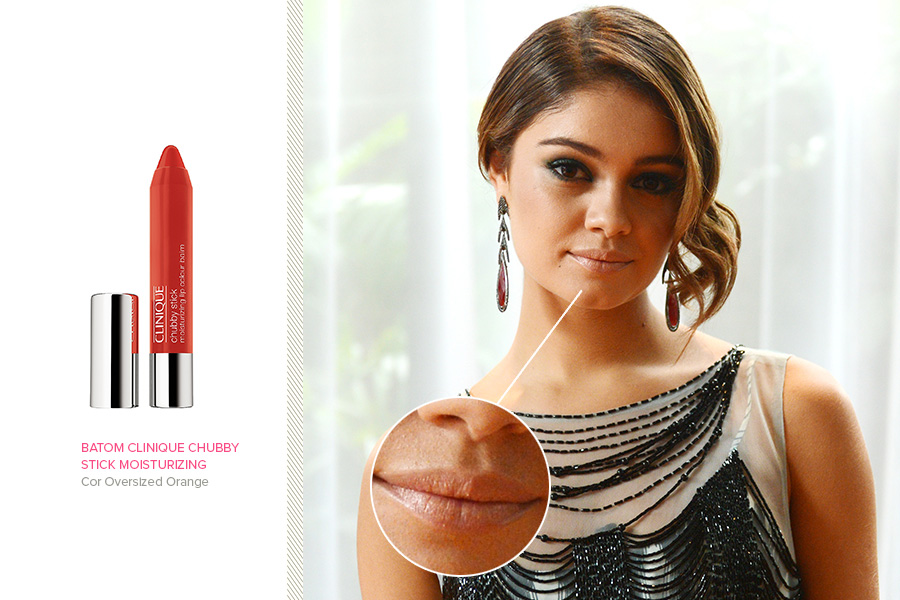 "Em ""Sangue Bom"", Sophie Charlotte usa o batom Clinique Chubby Stick Moisturizing, na cor Oversized Orange (R$ 84)"