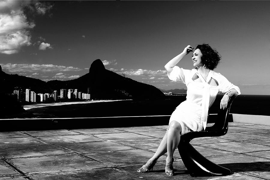 """Eliane Giardini, a Ordália de """"Amor à vida"""", posa no hotel La Suite, na Zona Sul do Rio de Janeiro"""