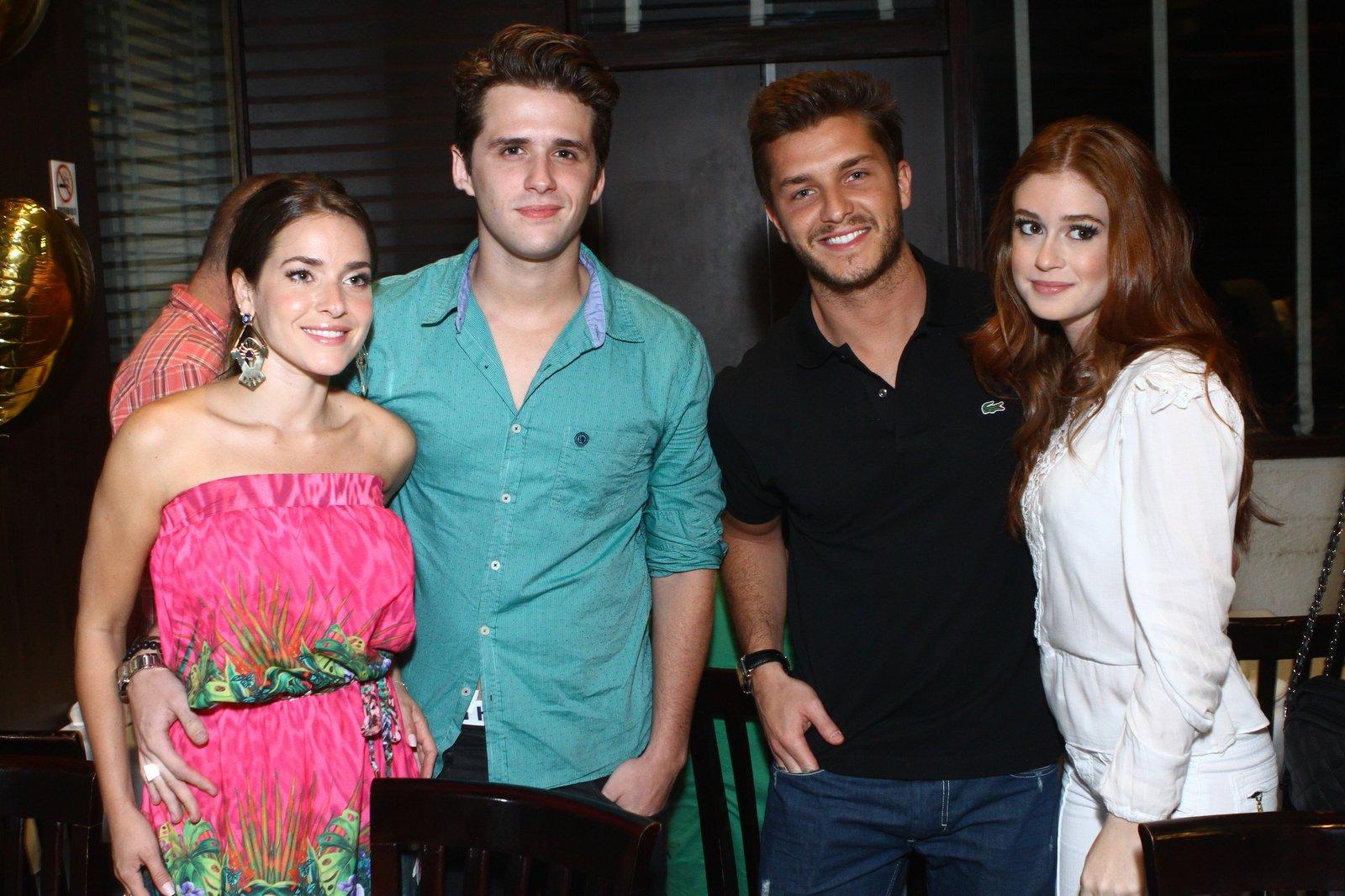 Monique Alfradique, Gil Coelho, Klebber Toledo e Marina Ruy Barbosa em festa no Rio