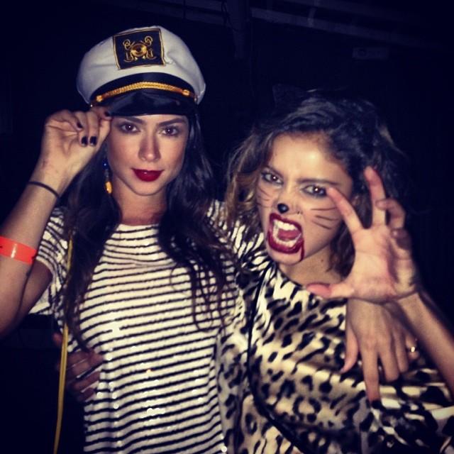 Thaila Ayala e Sophie Charlotte em festa de Halloween no Rio